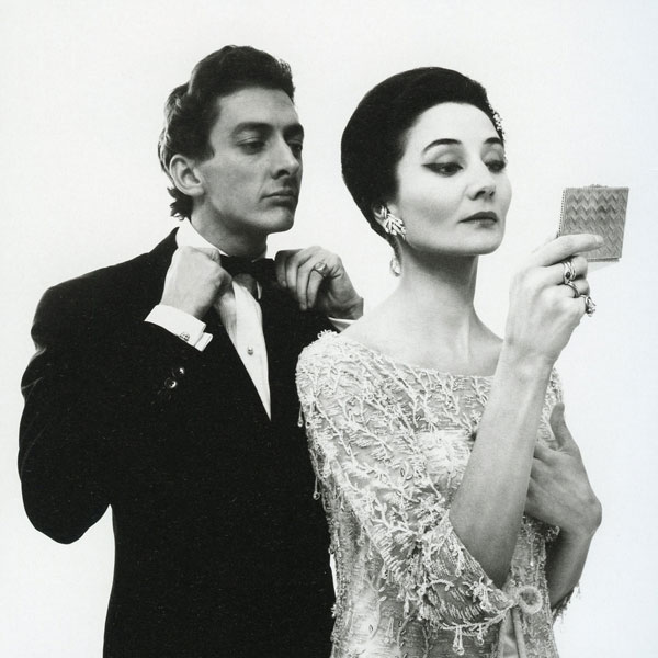 Raymundo de Larrain and Jacqueline de Ribes, 1961. Photograph by Richard Avedon.