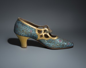 Brocade evening shoe