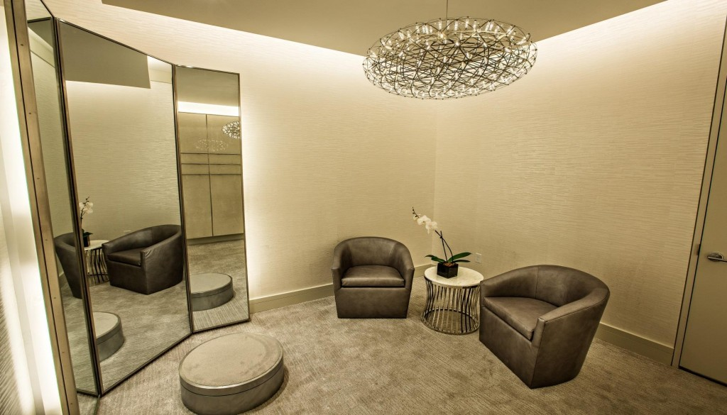 Dressing area in the Fifth Avenue Club