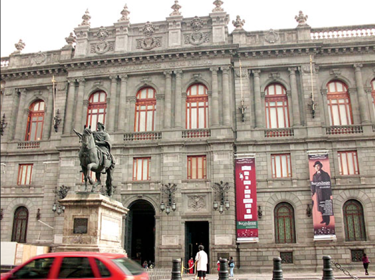 Dr. Arteaga's current title is director of Mexico City's storied Museo Nacional de Arte (MUNAL), whose collections span the mid-16th century to 1954. (Photo tribunasocial.com)