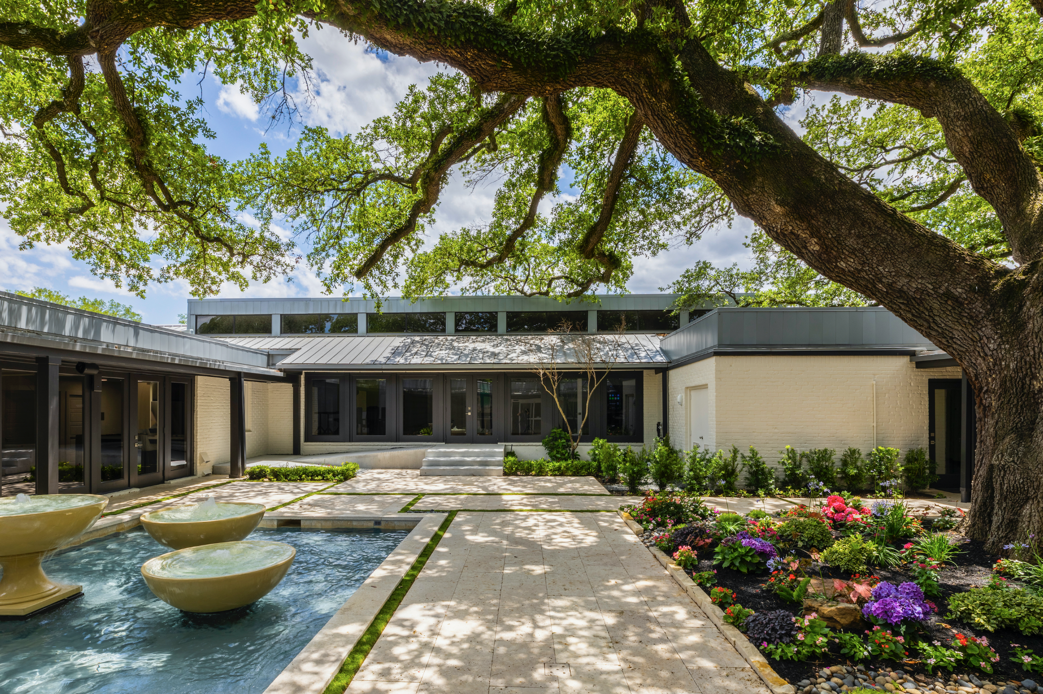 Sydenham Clinic makes its global debut in Houston. Its unique concept pairs precision medicine with a humanistic, and state-of-art approach to wellness. (Photo by Julie Soefer)